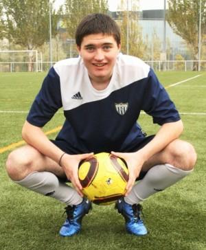 Димитър Конев играе футбол пред очите на Зинедин Зидан